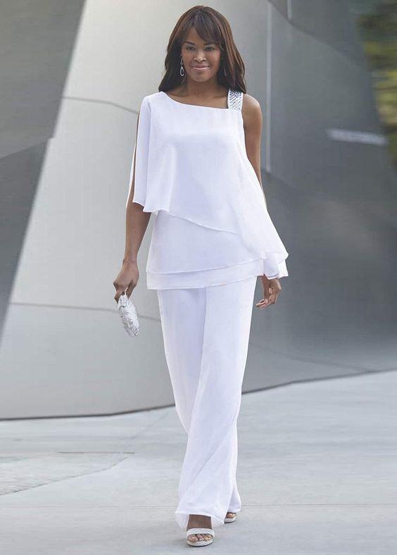 Blusa blanca corte irregular para coctel