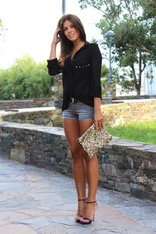 Look informal con short de jeans para una cena