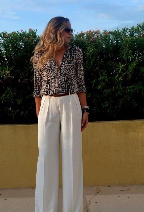 look casual elegante con pantalon blanco