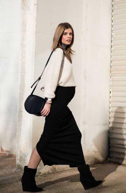 look noche casual con falda larga y polera