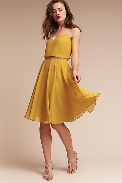 vestido de coctel amarillo