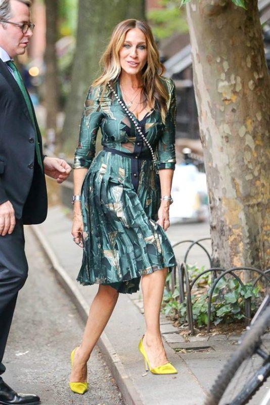vestido estampado casual elegante con falda plisada