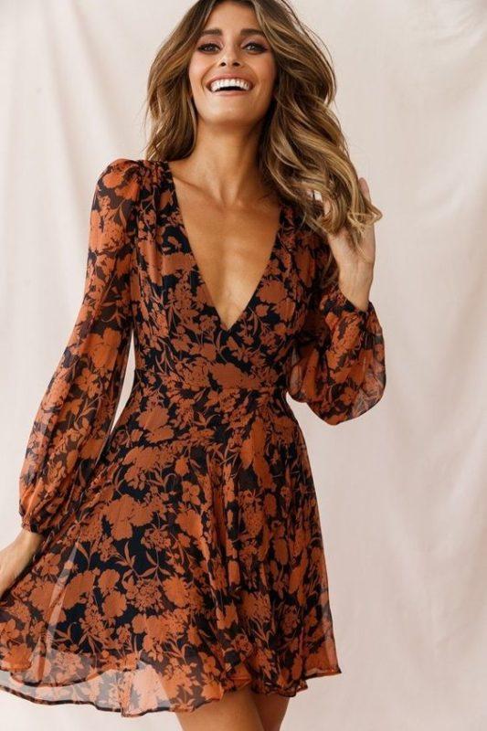 vestido estampado para cena informal de otoño