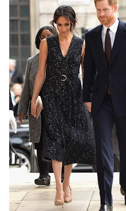 vestido midi negro semi formal