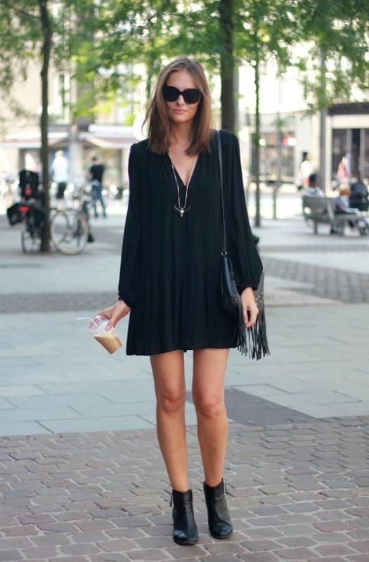 vestido negro suelto para ir a una cena
