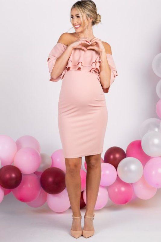 vestido rosa corto de fiesta para embarazada