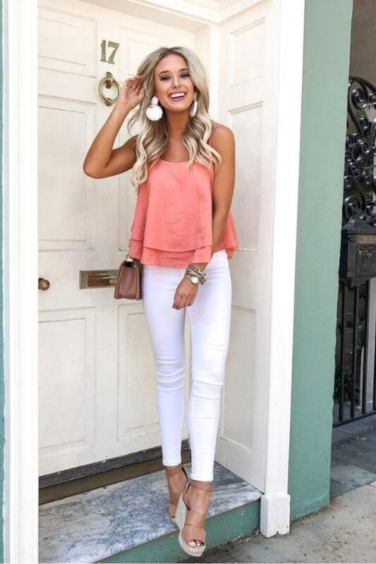 jeans blanco y blusa verano