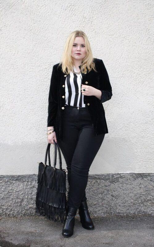 jeans negro y blazer gamuzado
