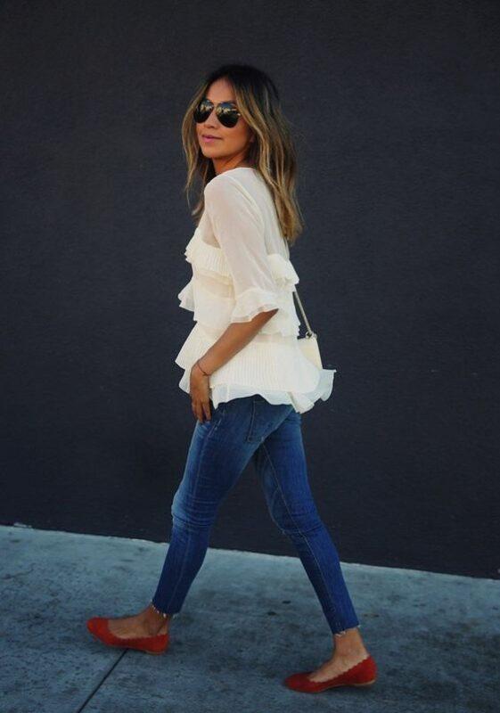 blusa de gasa blanca suelta para cena informal con amigos