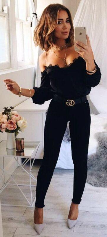look noche con jeans negro y blusa