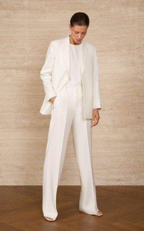 traje blanco con blusa para noche formal