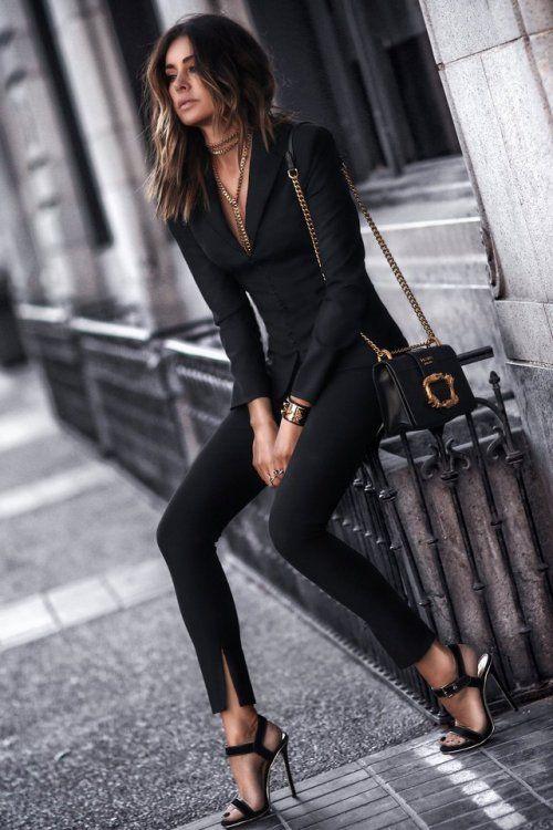 traje para mujer con pantalon chupin