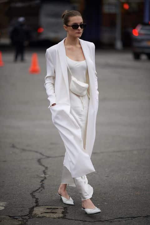 vestido blanco con saco largo