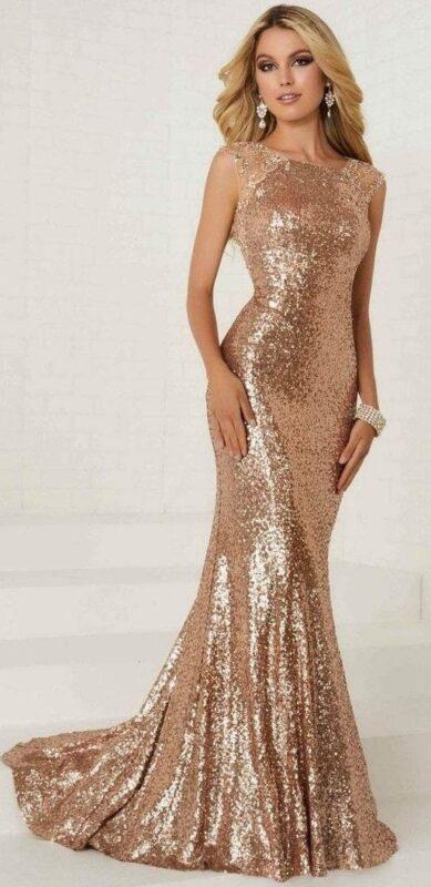 Vestido dorado largo de lentejuelas elegante
