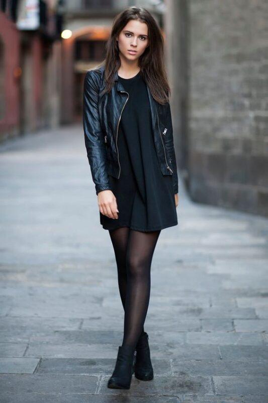 look casual con vestido negro noche