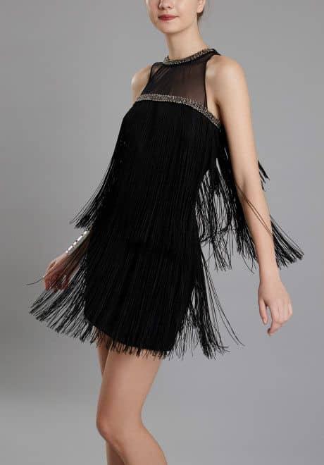 vestido corto negro con fleco para la noche