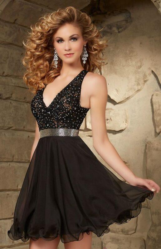 vestido negro con top bordado para la noche