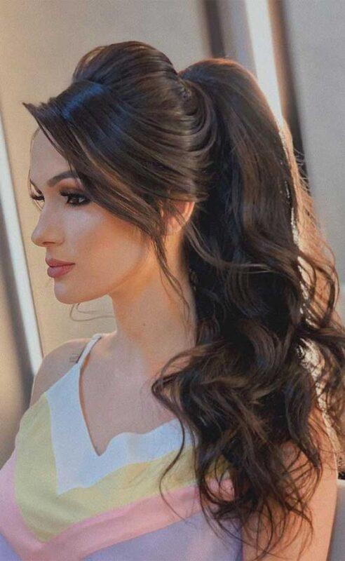 peinado noche pelo largo cola alta