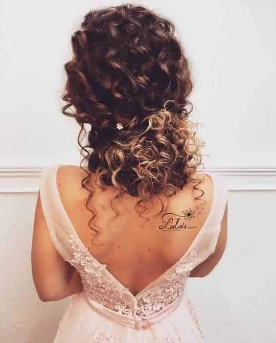 peinado recogido para pelo con rulos noche elegante