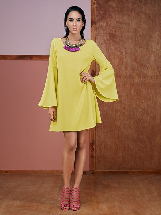Vestido amarillo para coctel de invierno