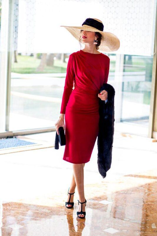 Vestido corto con mangas largas para boda de invierno formal