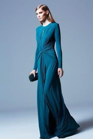 Vestido largo simple y elegante para noche de fiesta de invierno