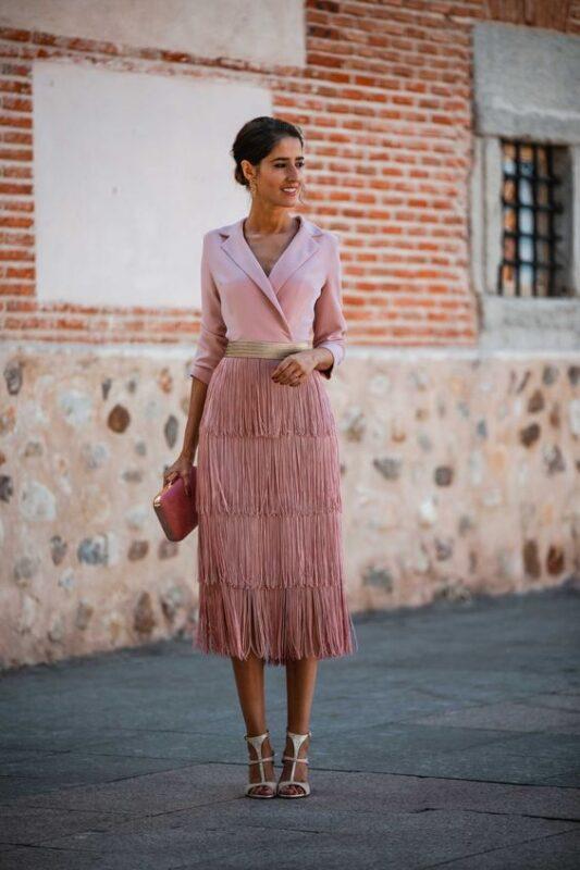 Vestido rosa pastel midi para fiesta de noche