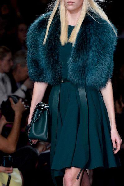 vestido con bolero de pelo sintetico para invierno