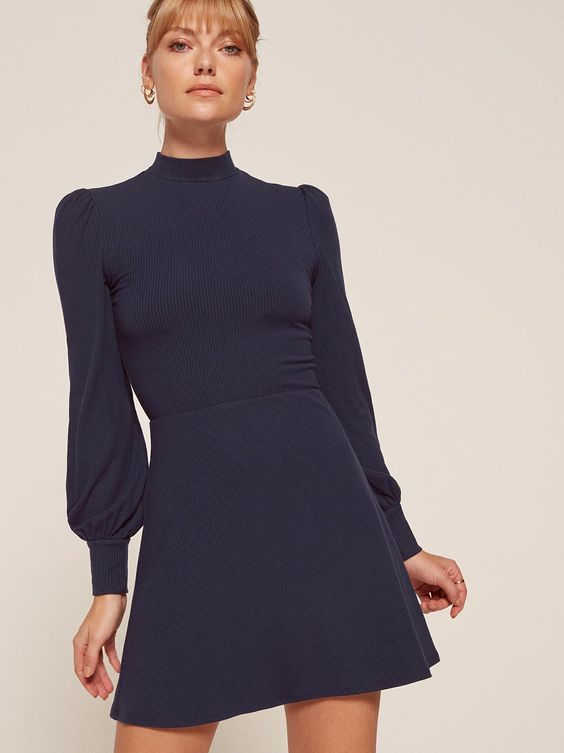 vestido corto azul para noche de invierno formal