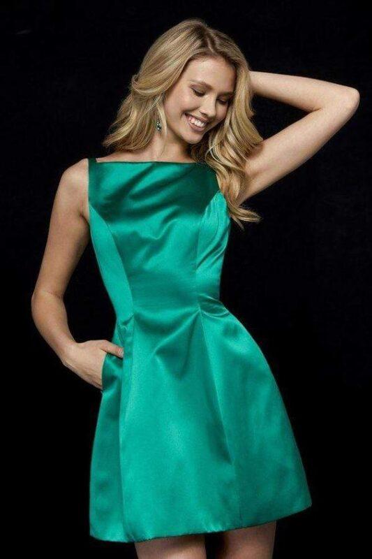 vestido corto verde de seda para la noche