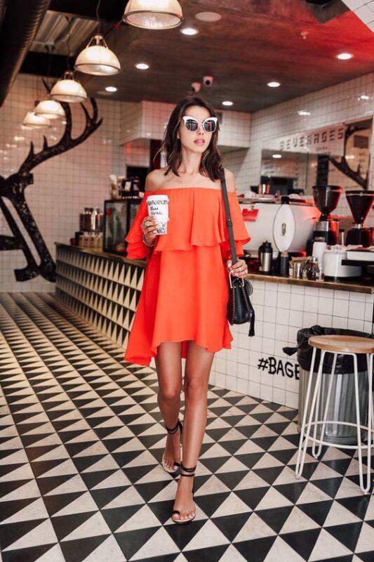 vestido naranja holgado para la noche