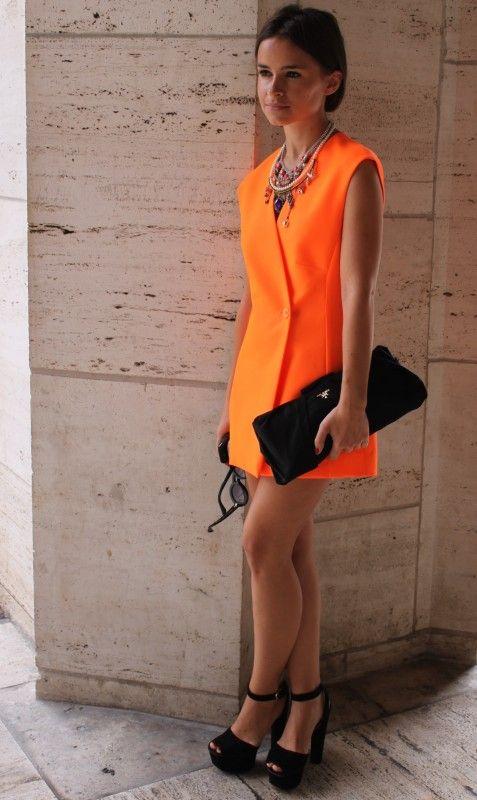 vestido naranja para la noche