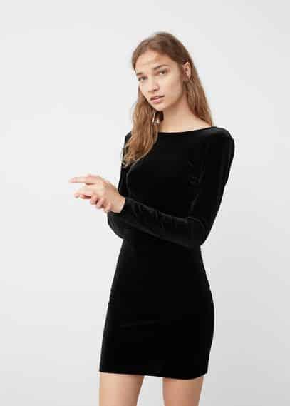 Vestido corto ajustado negro de terciopelo