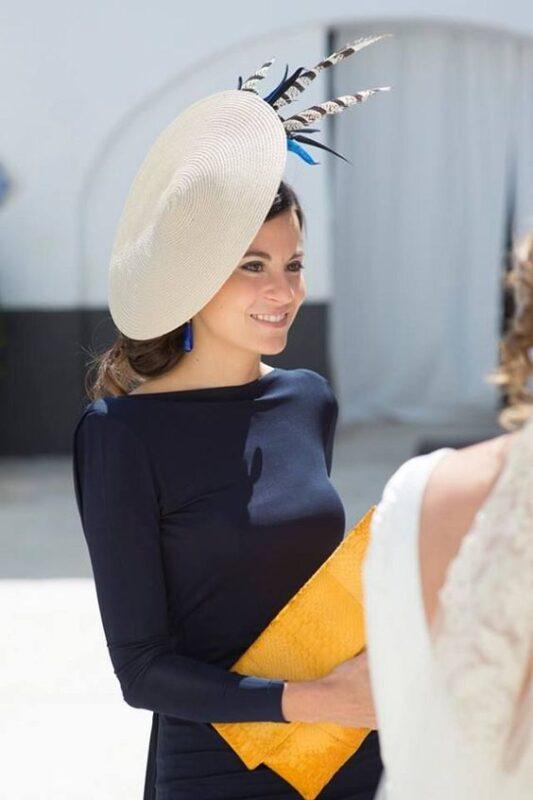 vestido azul con cartera maiz