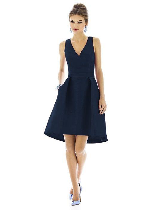 vestido azul con sandalias celestes