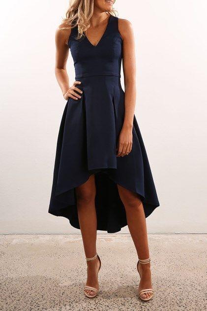vestido midi asimetrico azul oscuro