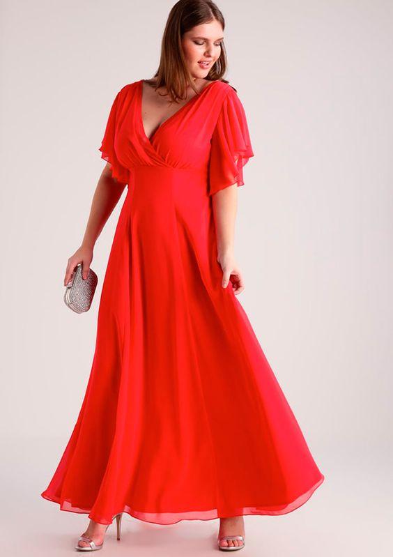 vestido rojo para gorditas con sandalias palteadas