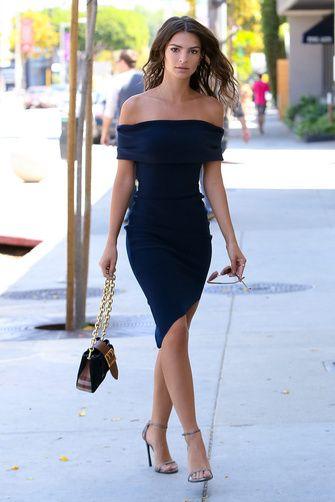 vestido strapless azul oscuro para la noche