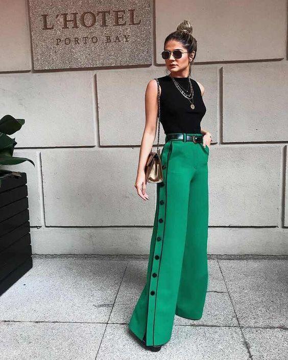 Outfits para navidad con pantalon de vestir verde