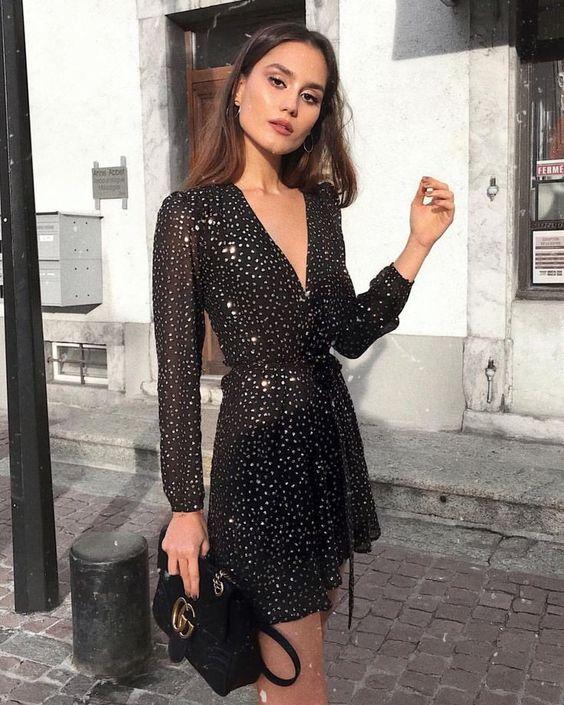 Outfits para navidad vestido negro con brillo