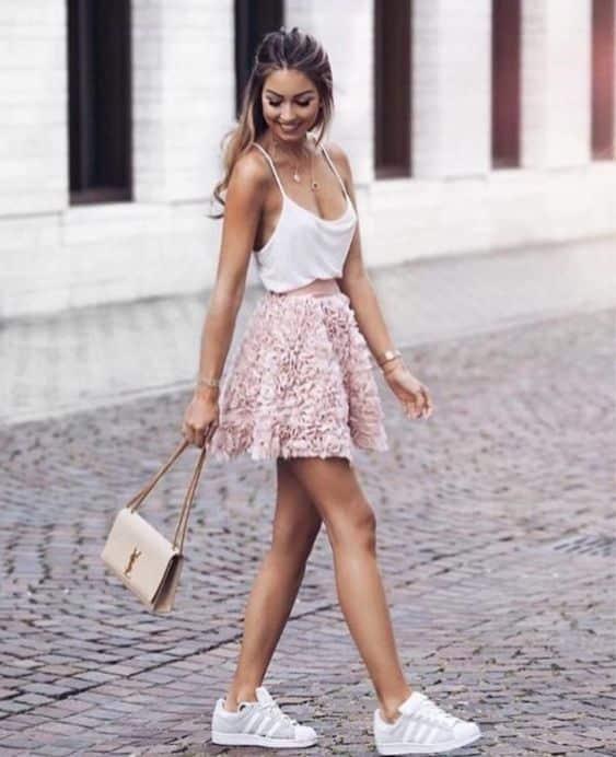 look con minifalda para no nuevo