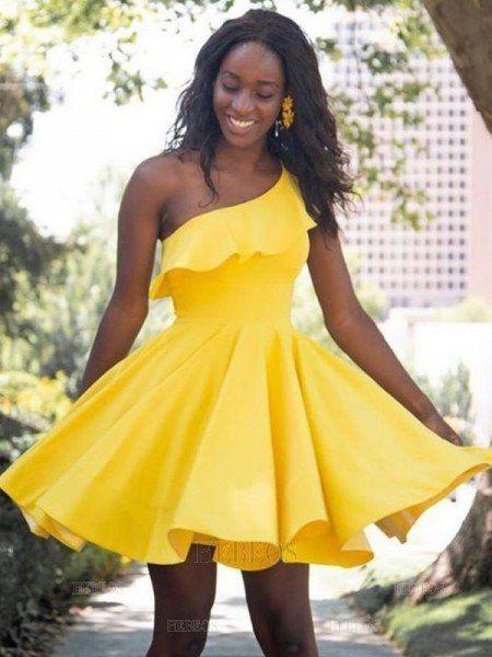 vestido amarillo falda acampanada