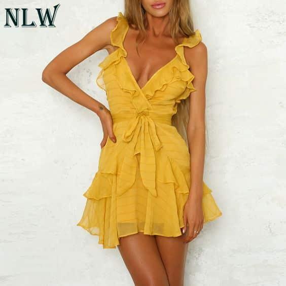 vestido con volados amarillo