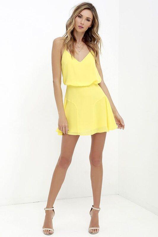 vestido corto amarillo pastel noche