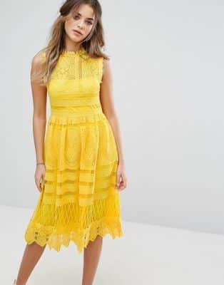 vestido estilo bohemio midi amarillo