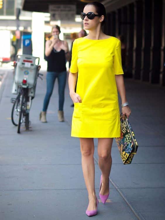 vestido recto amarillo neon