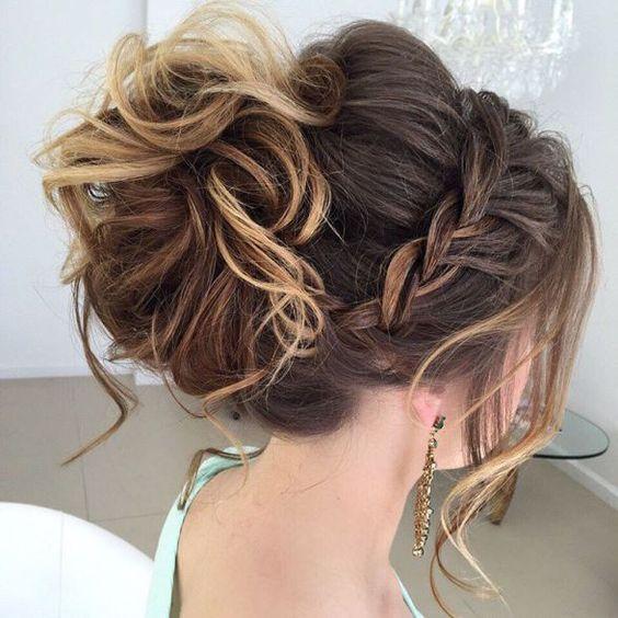 peinados recogidos altos con pelo largo para fiestas