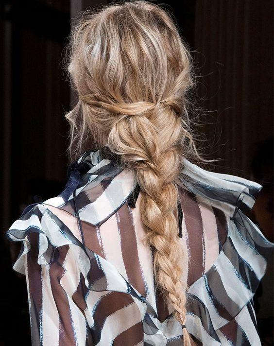 trenza efecto despeinado Peinado noche para pelo largo