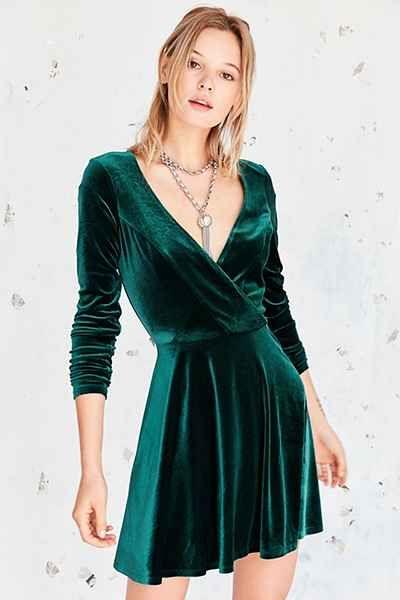 vestido corto de terciopelo mangas largas