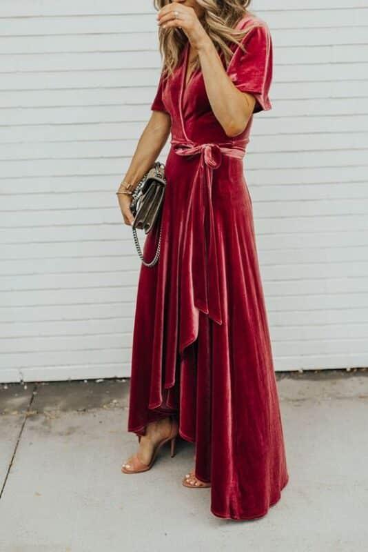vestido de terciopelo cruzado